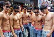 Quan hệ đồng tính tập thể, trai dâm cũng chạy mất dép
