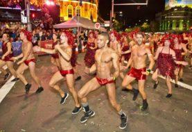 Sôi động cùng lễ hội Mardi Gras lần đầu tiên tại Hà Nội