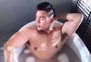 Dừng tra tấn làn da vì những sai lầm khi tắm sau